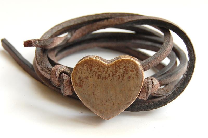 Armband leren veter met kiezelbruin hart