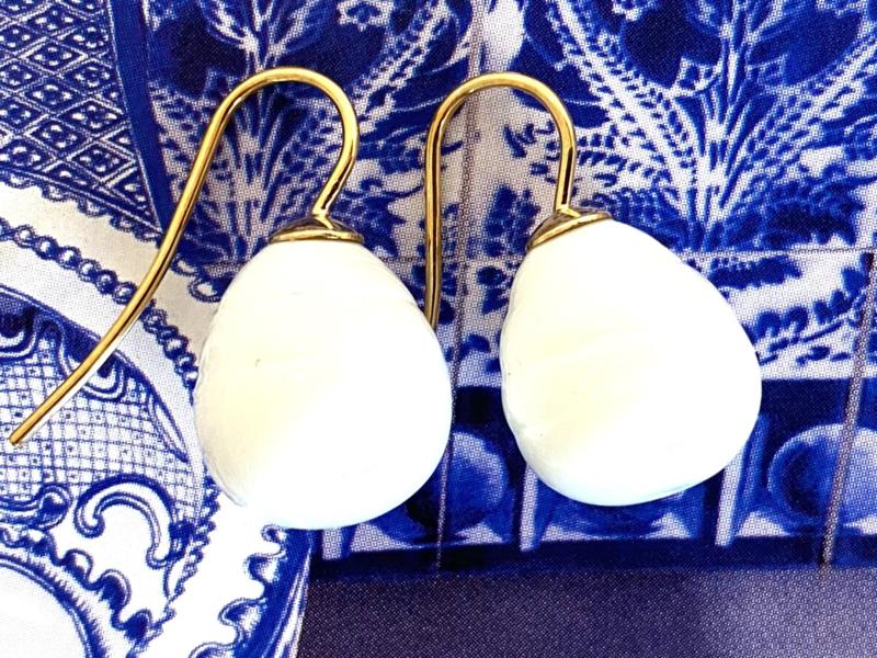 Vermeer parel oorbellen melkwit/goud