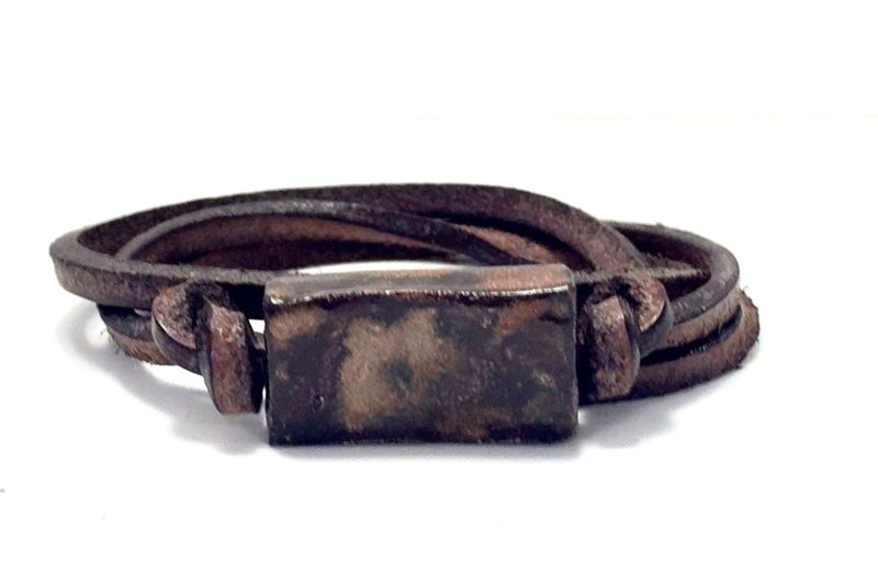 Armband keramiek blokje roestbruin