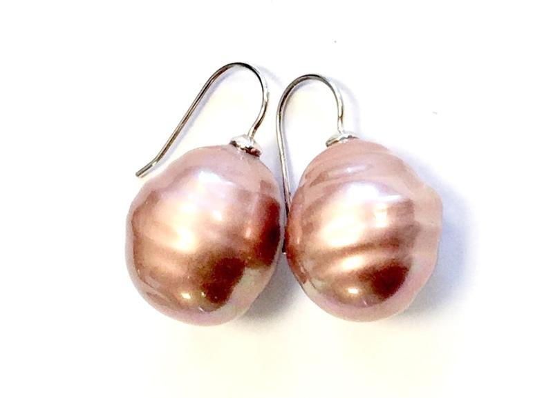 Barok parel oorbellen groot oudroze/zilver