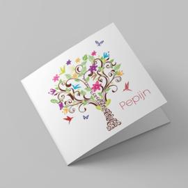 Kleurrijke boom met vogels