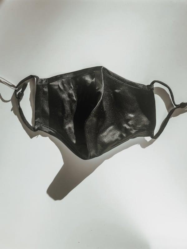 Huidvriendelijk en herbruikbaar mondkapje van 100% zijde
