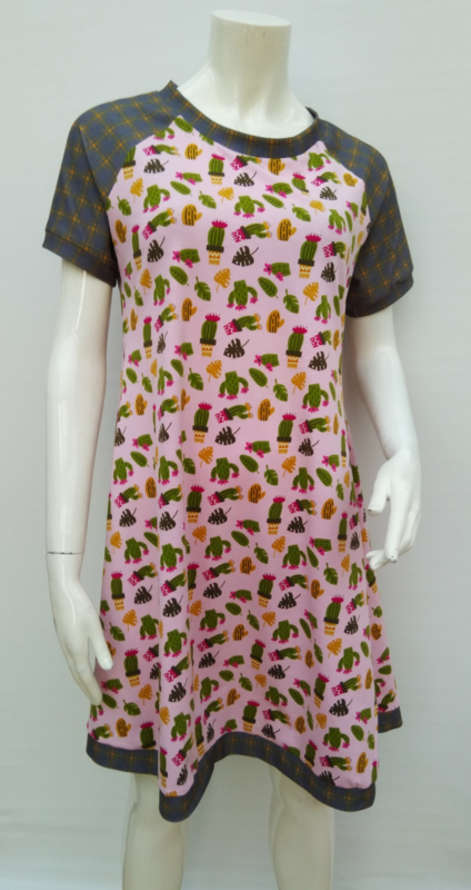 Cactus dress, mt.L