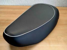 Vespa LX / S / LXV / ET2 / ET4 - Mono-zadel zwart met donkergrijze bies