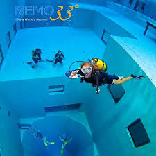 Nemo33, eigen entree