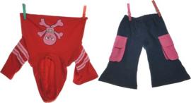 Living Puppets : Kledij  65 cm Rode Sweater en Jeans - W582