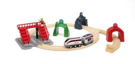 Brio : Smart Engine Set with Action Tunnels - 33873