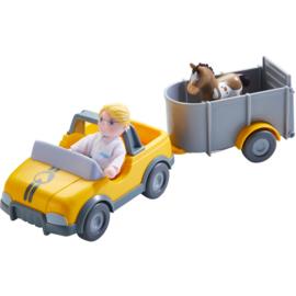 Haba : Little Friends Dierenartsauto met aanhangwagen  - 303926