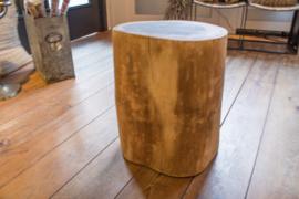 Boomstam kruk/bijzettafel ca. 51 cm hoog en doorsnede 40 cm