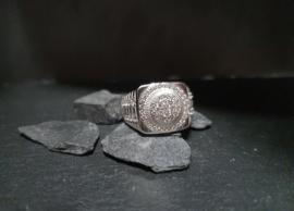 Ronde ring zirkonias