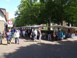 Kunstmarkt Bergen (NH) Rondom de Ruïnekerk