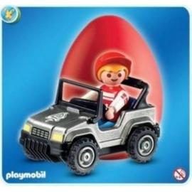 Playmobil 4918d - Rood Paasei, jongen met grijze auto