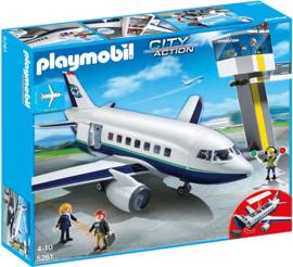 Playmobil 5261 - Passagiers en vrachtvliegtuig met Controletoren
