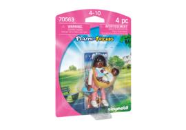 Playmobil 70563 - Playmo-friends Mama met draagzak