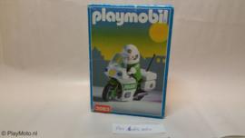 Playmobil 3983 - Polizeimotor (v1)