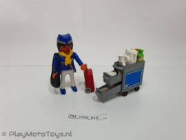 Playmobil 4761 - Stewardess met servicekar, gebruikt & compleet.
