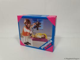 Playmobil 4623 - Kinderarts met baby