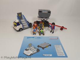 Playmobil 5262 - Vliegtuigtrap en vrachtafhandeling, gebruikt & compleet.