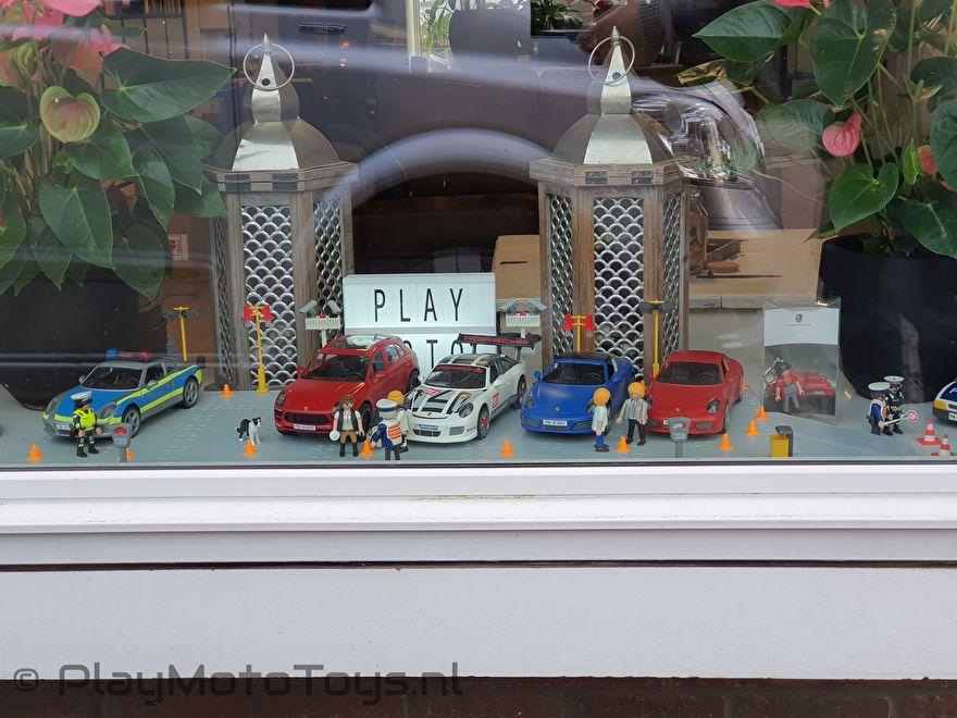 Sinterklaas actie 2019 PlayMoto Toys - Porsche display Front