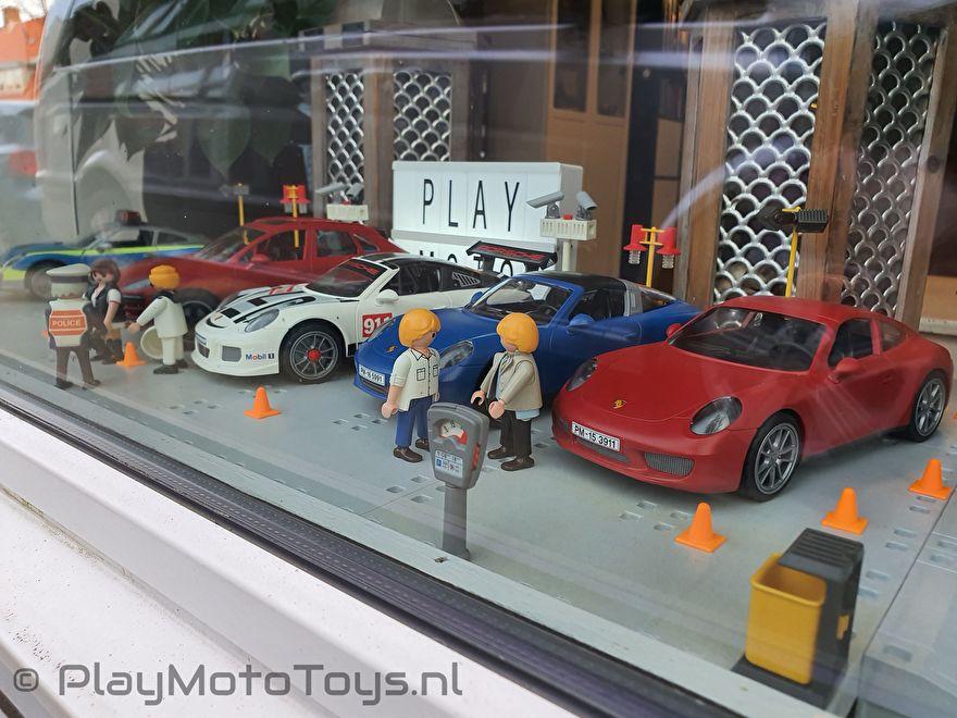 Sinterklaas actie 2019 PlayMoto Toys - Porsche display 1