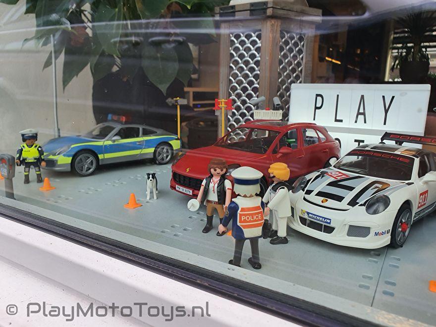 Sinterklaas actie 2019 PlayMoto Toys - Porsche display 2