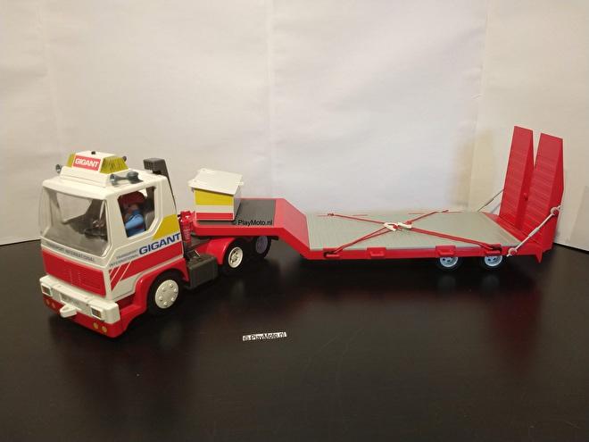 Playmobil truck