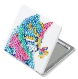 Make up Spiegel gekleurde poes met vlinder op snoet