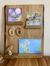 eiken houten kalender met berken cijfers