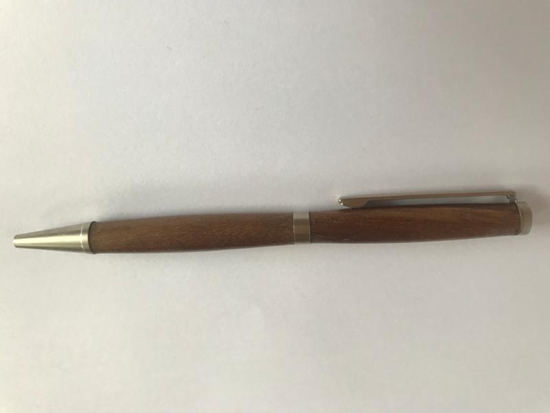 pen zwarte noot