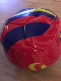 voetbal rood maat 5