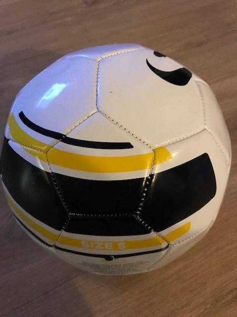 Voetbal wit maat 4
