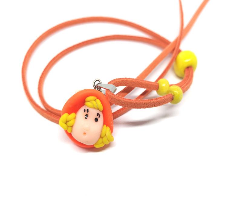 Schattige oranje skwairlie ketting