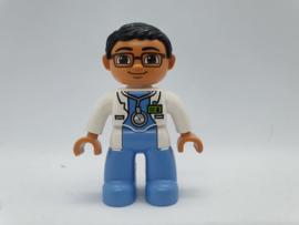 laboratorium medewerker Alfred