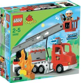 Duplo brandweerwagen 5682 met doos