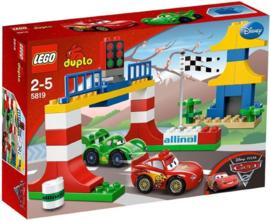 Lego Duplo 5819 - Cars Tokyo race met doos