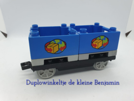 Duplo trein wagon met blauwe containers