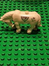 B-keuze Duplo paard wit met hartjes en glitters