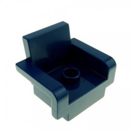 Grote donker blauwe stoel