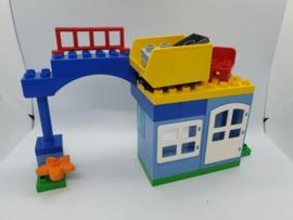 Lego Duplo trein 10508 gebouw