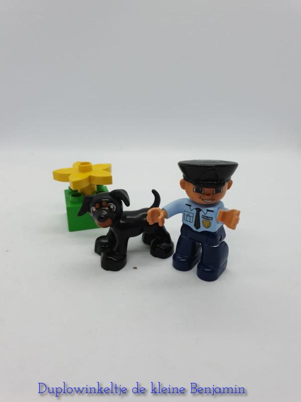 Duplo politieagent 5678 met doos