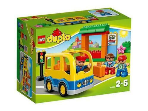 Duplo 10528 schoolbus met doos