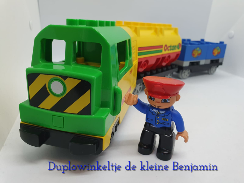 Duplo trein locomotief met 2 wagons