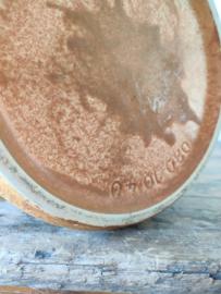 Vintage vaas gemerkt in bruin/oker tinten