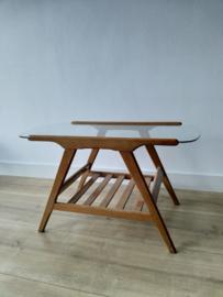 Vintage salontafel met glazen blad