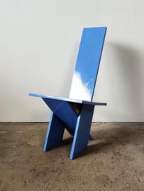 Vintage stoel met 'rietveld feeling'