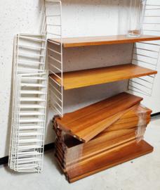Nisse String wandvullend 26 planken, 12 rekken