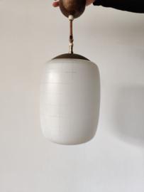Vintage hanglamp opaal met grafische lijnen