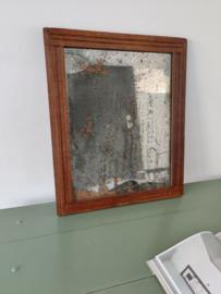 Antieke spiegel met distressed spiegel