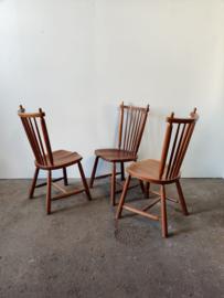 Vintage set/3 rustieke houten spijl stoelen