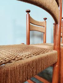 Vintage stoelen met gevlochten zitting en rug